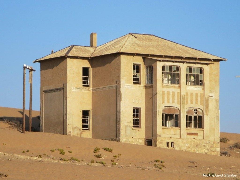 Övergiven spökstad i Namibia öken (15)