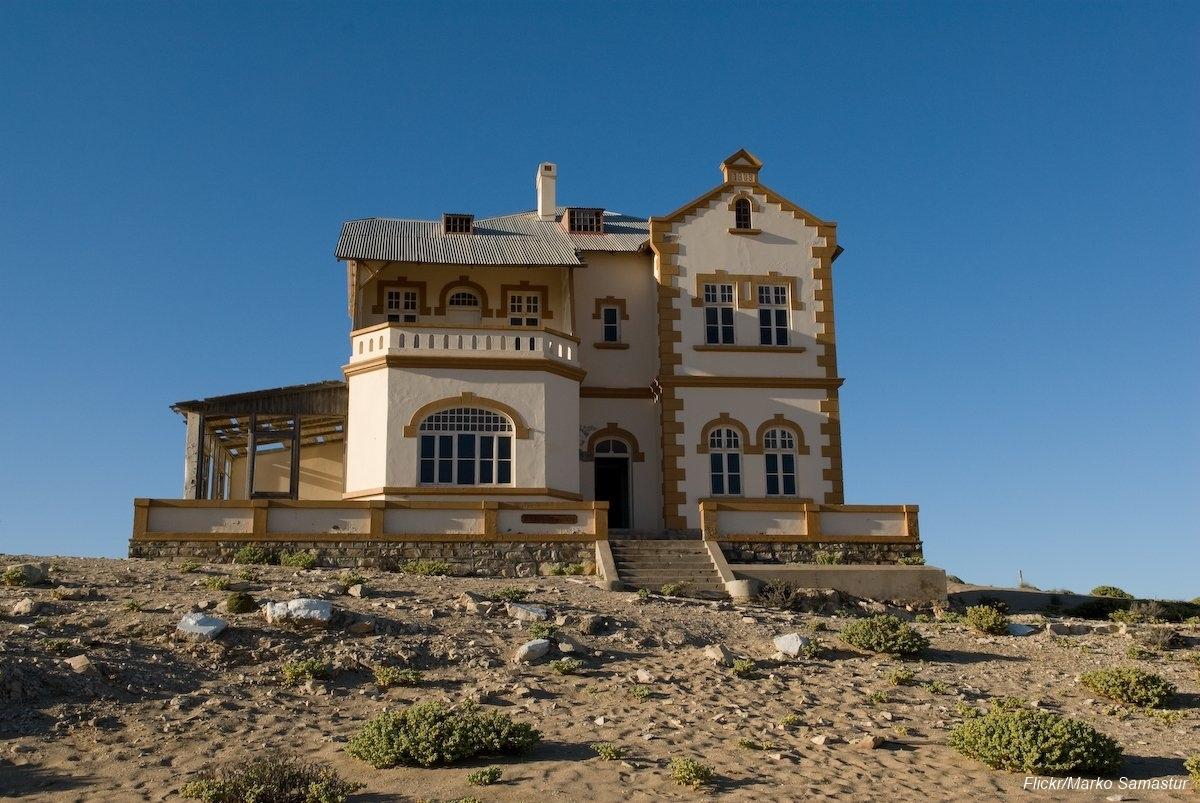 Övergiven spökstad i Namibia öken (6)