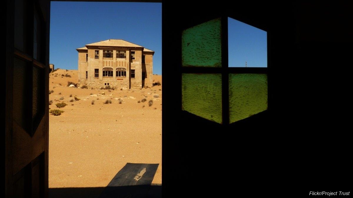 Övergiven spökstad i Namibia öken (8)