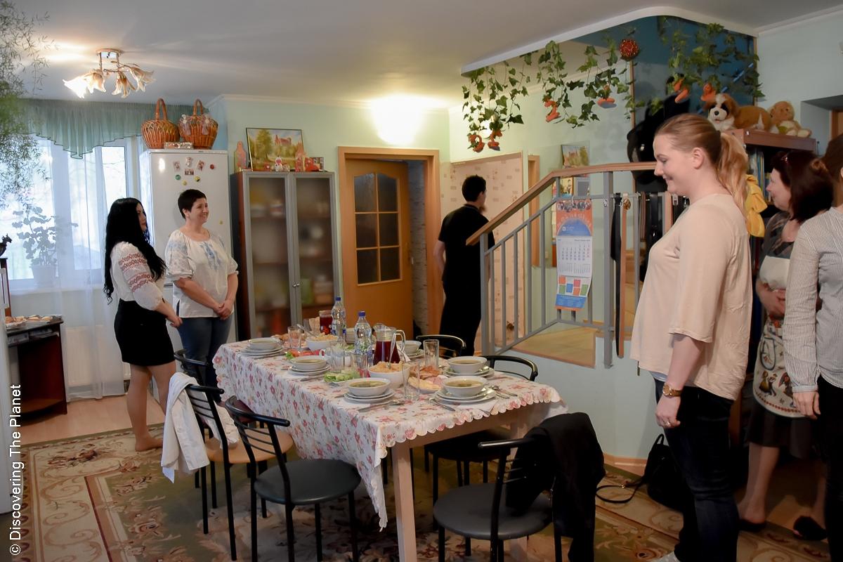 Ukraina, Sos Barnbyar 11