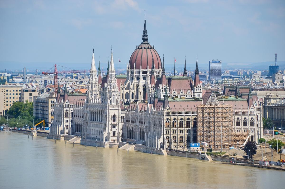 Ungern (2 av 3)