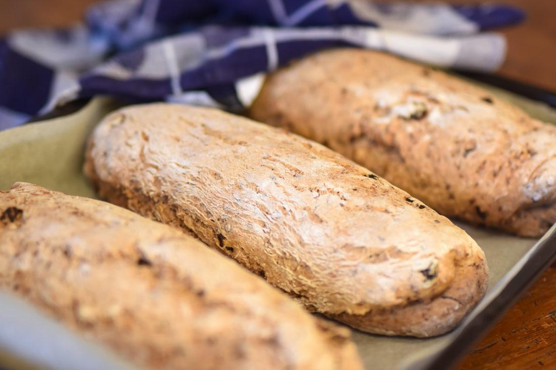 Baka bröd