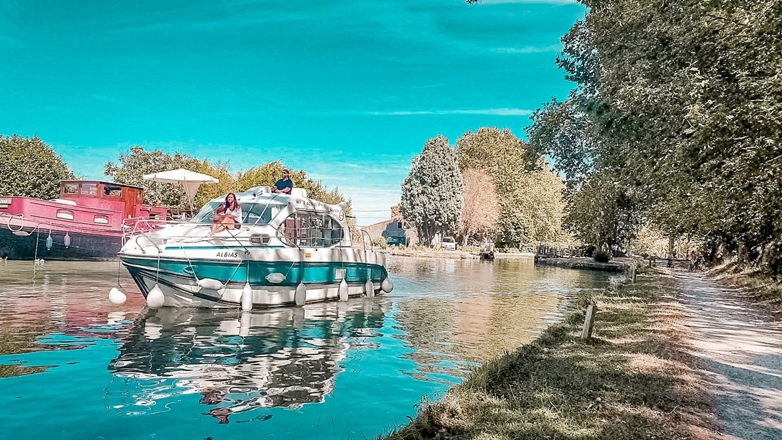 Frankrike, Canal du Midi, kanalbåt